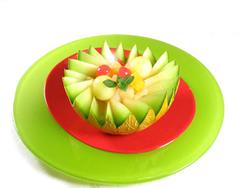 melon relleno con frutas
